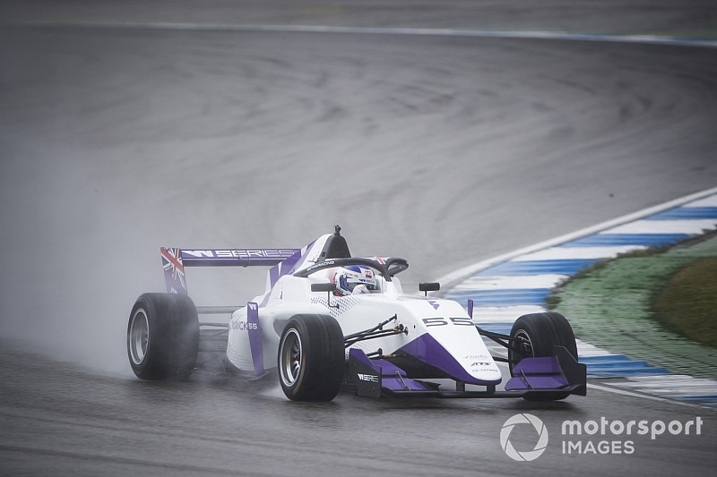 Hockenheim W Series: Chadwick stays on top in wet FP2