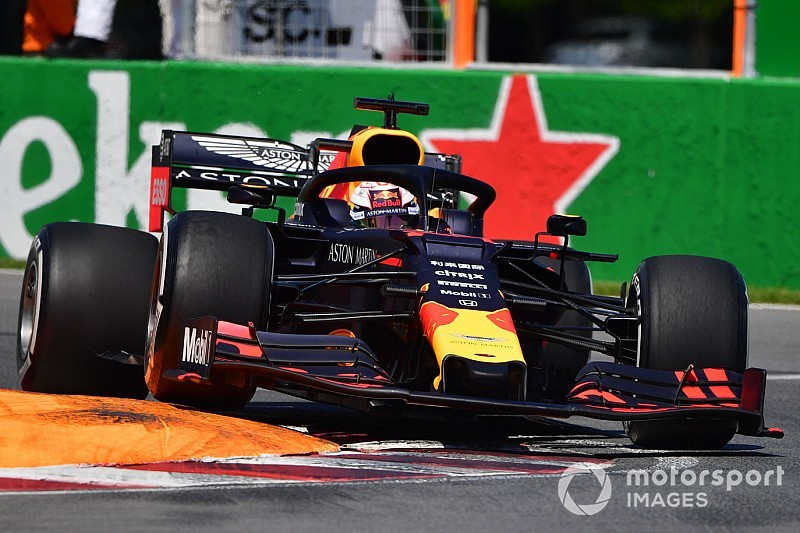 "Verstappen out in Q2 Canada na crash Magnussen: ""Pech gehad"""