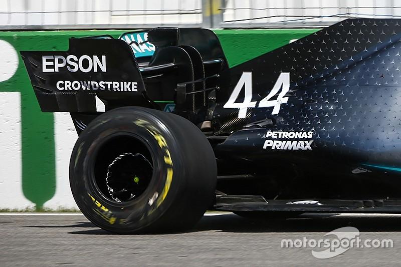 Hamilton elismeri a hibáját, Bottas tart a Ferraritól