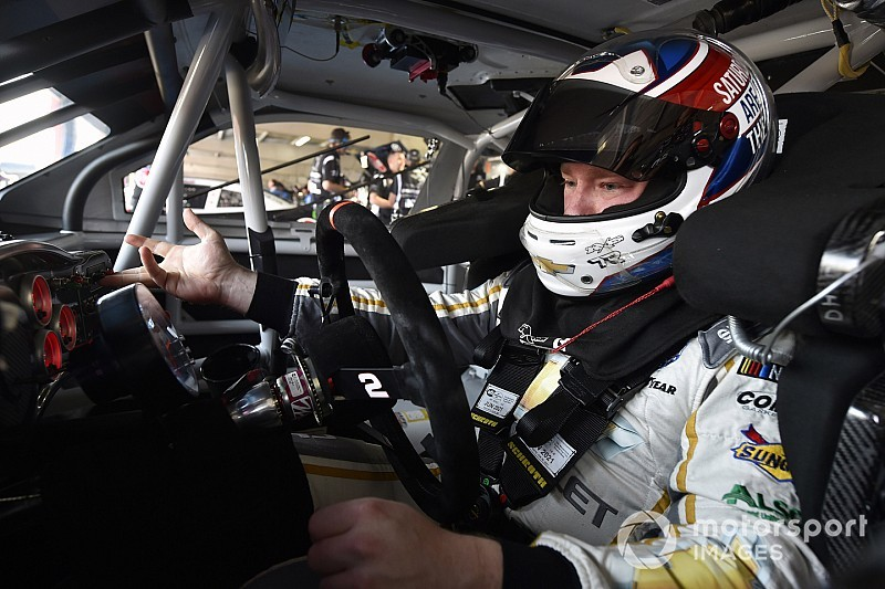 Tyler Reddick stretches his fuel to take Michigan Xfinity win