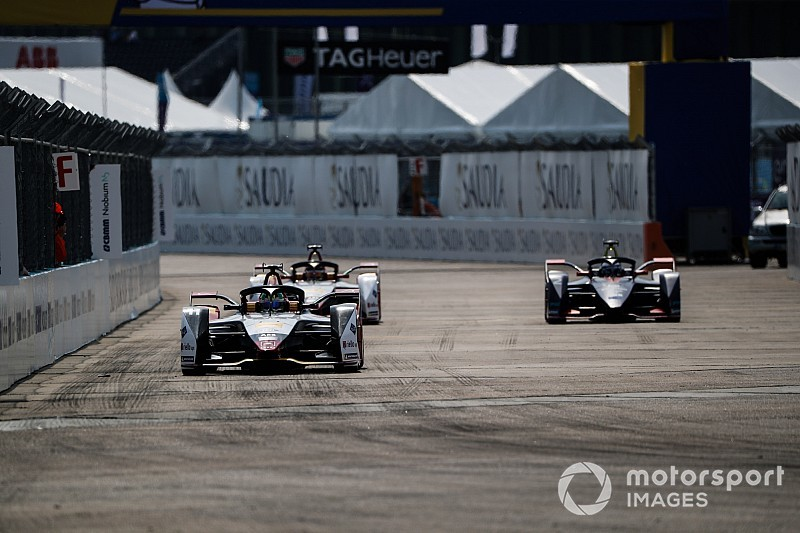 "Di Grassi: Berlin timetable ""mess"" will hinder points leaders"