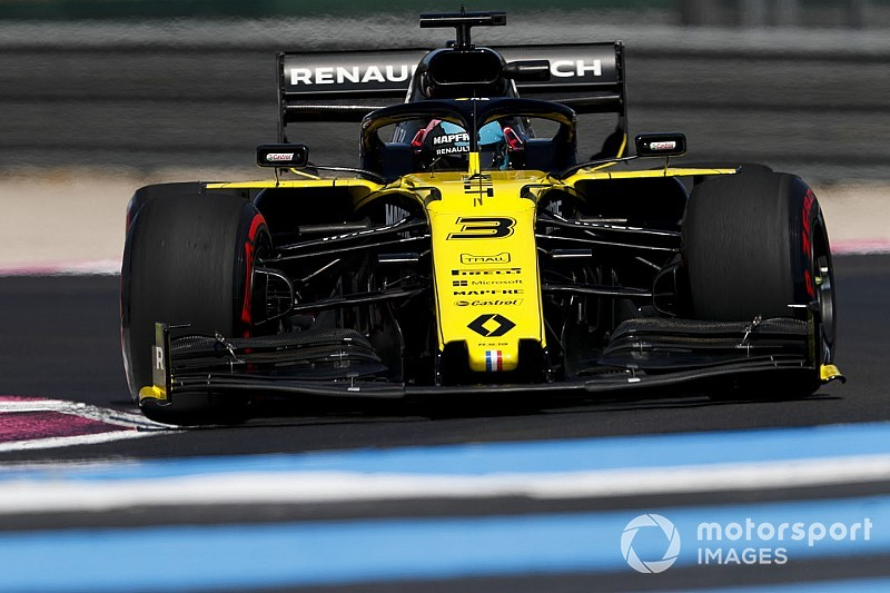 "Drivers not fond of ""melted chocolate"" soft tyre in France"