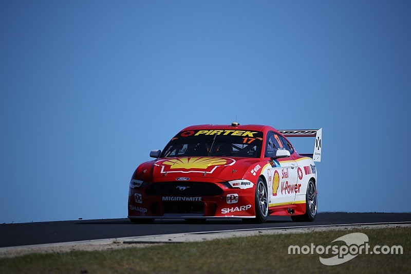 Perth Supercars: McLaughlin fastest, kerb strike costs Whincup