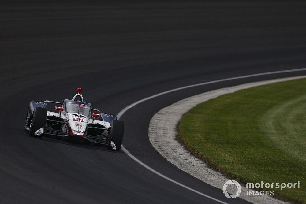 Indy: Batida de Wilson dentro dos boxes causa primeira bandeira amarela nas 500 Milhas
