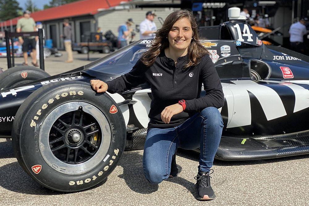 Tatiana Calderón probará un IndyCar con AJ Foyt Racing