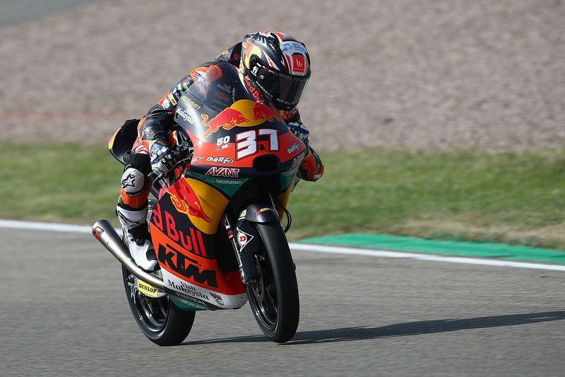 Acosta logra su cuarto triunfo del año en Moto3