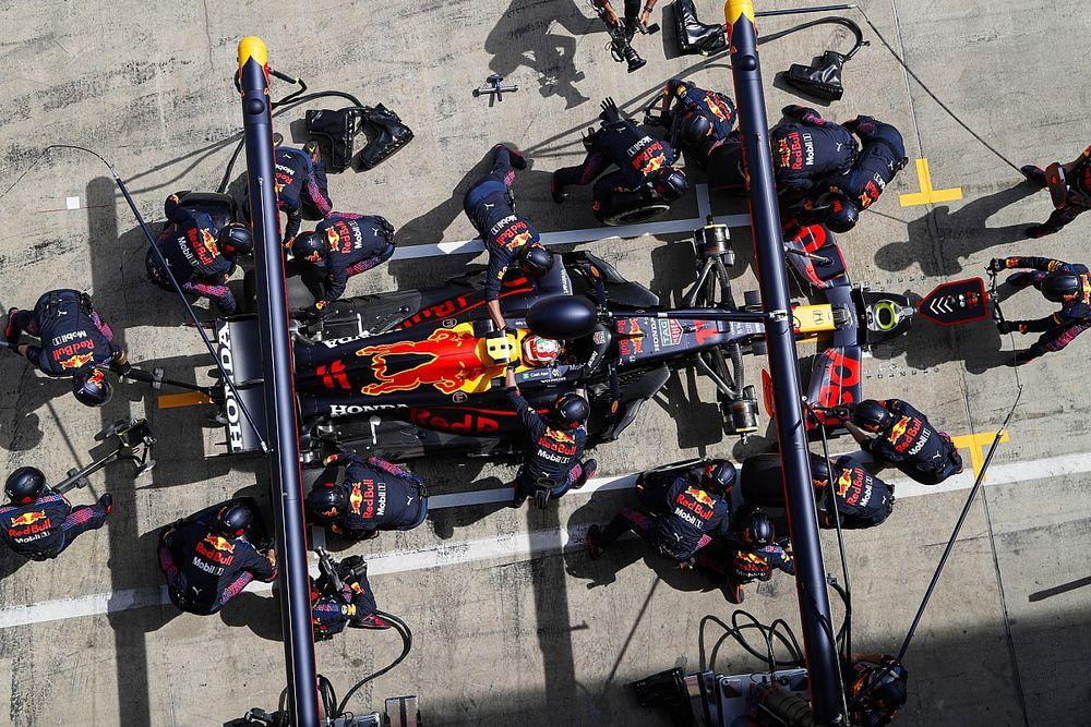 """Trage pitstop kost Perez podiumplaats: """"Hij had P3 kunnen houden"""""""