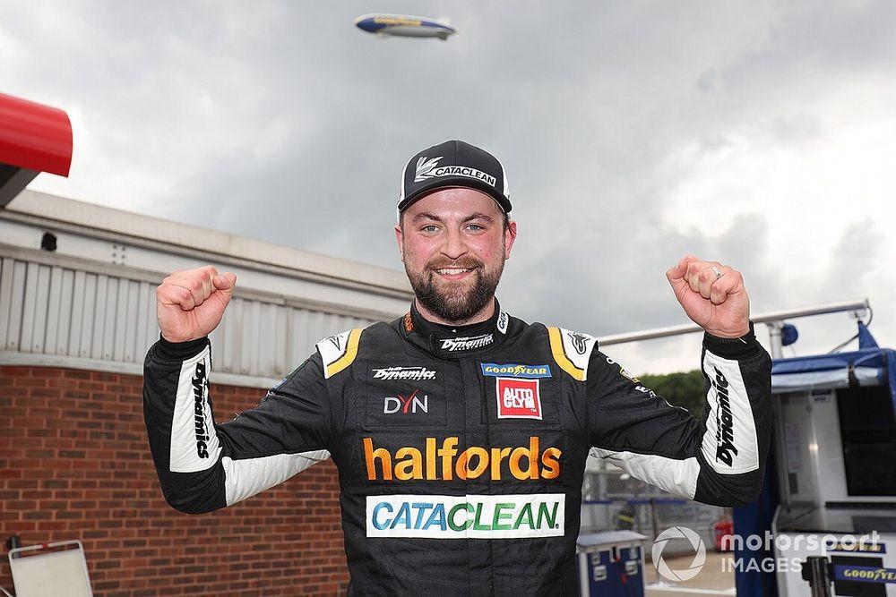 Brands Hatch BTCC: Rowbottom takes maiden pole position