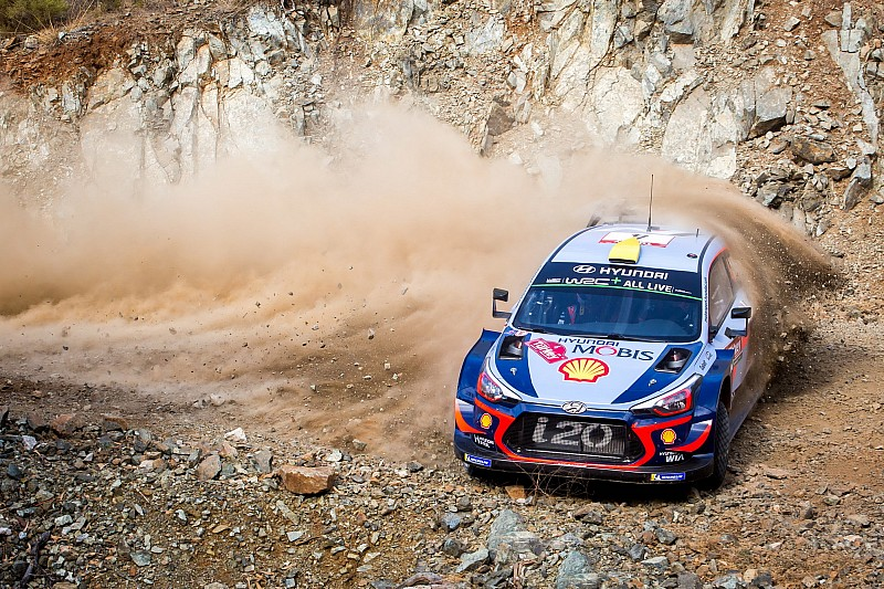 Turkey WRC: Mikkelsen leads Breen on Friday morning