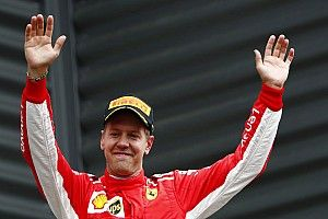 Vettel ya es el tercero más ganador de la historia