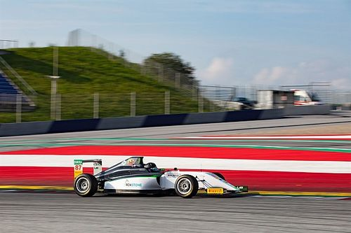 F4, Red Bull Ring, Libere 1: Bearman in vetta