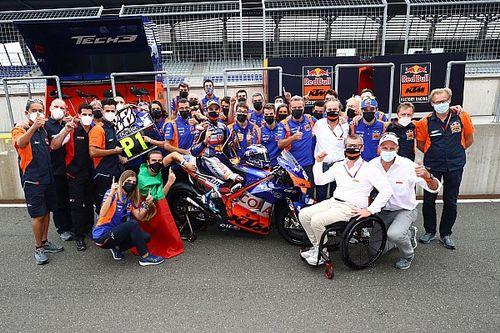 """MotoGP: Chefe da Tech3 diz que """"subestimado"""" Oliveira calou críticos com vitória"""