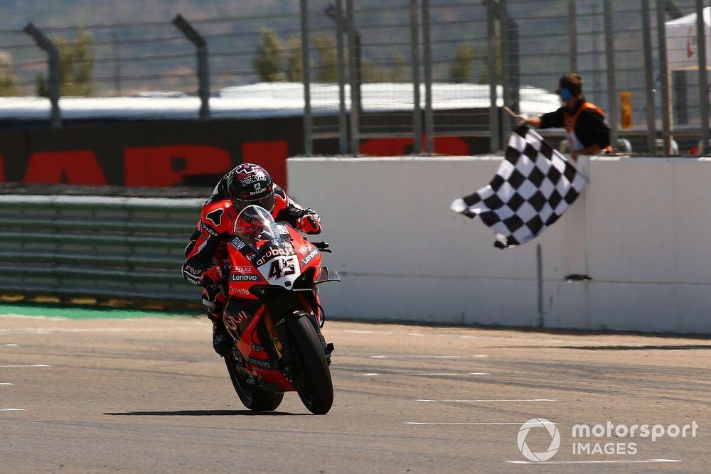 Aragon WSBK: Redding leads Ducati 1-2 ahead of Rea