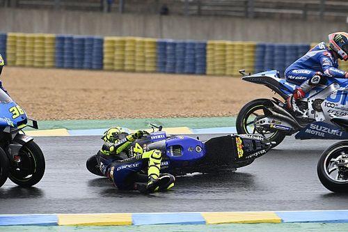 Vídeo: el tercer abandono consecutivo por caída de Rossi