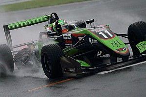 全日本F3第12戦 フェネストラズが雨の中で独走、今季6勝目を飾る