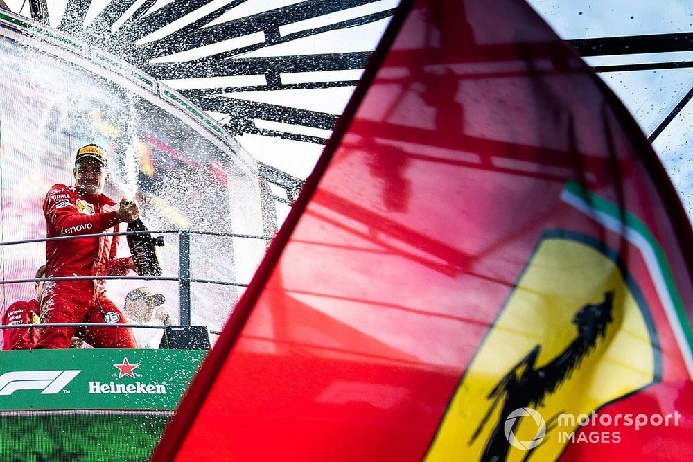 GALERIA: Rodada de Vettel, perseguição a Leclerc e multidão ferrarista; imagens do domingo em Monza