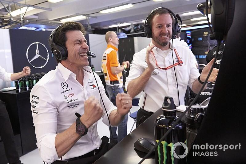 Semmi fordulat nem lesz: a Mercedes, Wolff és Hamilton is maradhat a helyén