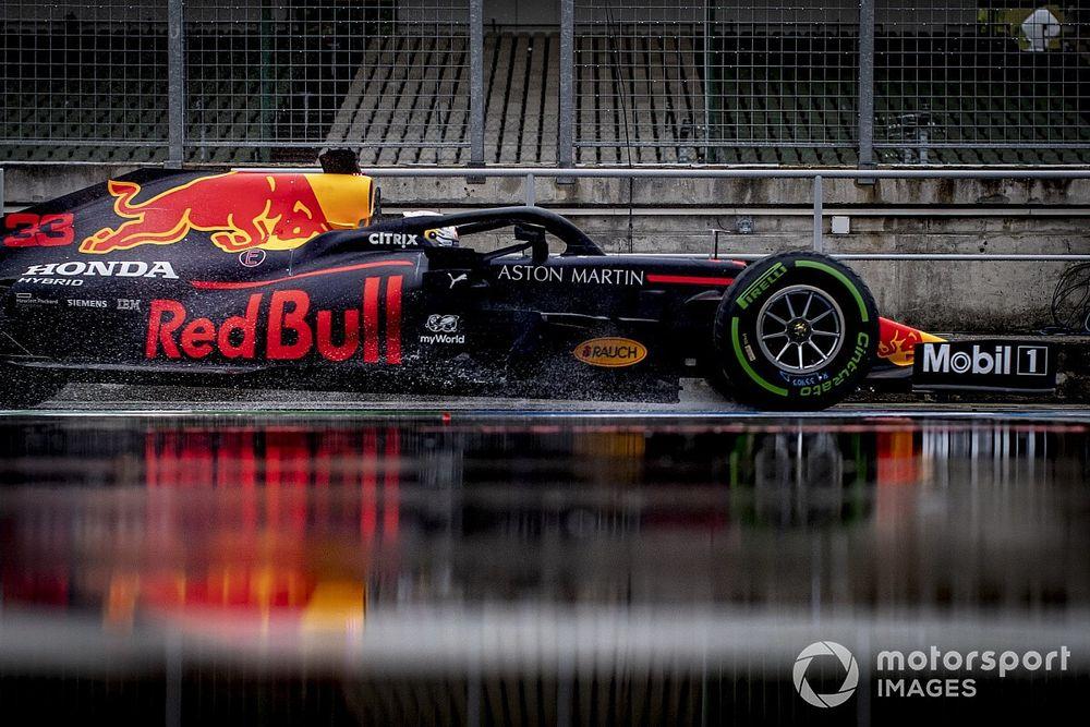 Verstappen se conformaría con estar a medio segundo de Mercedes