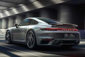 Egy súlycsökkentő és egy sportos csomag is érkezett az új Porsche 911 Turbo S-hez