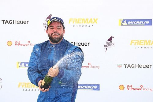 Porsche GT3 Cup: Urubatan Jr. tem montanha-russa de emoções em Interlagos
