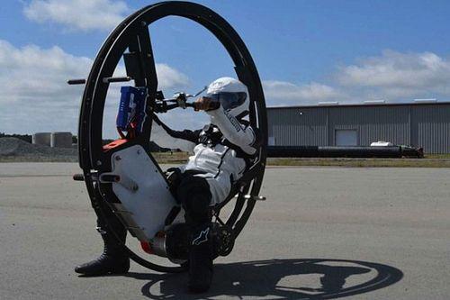 Ecco il monowheel più veloce del mondo (con lo zampino di Elon Musk?)