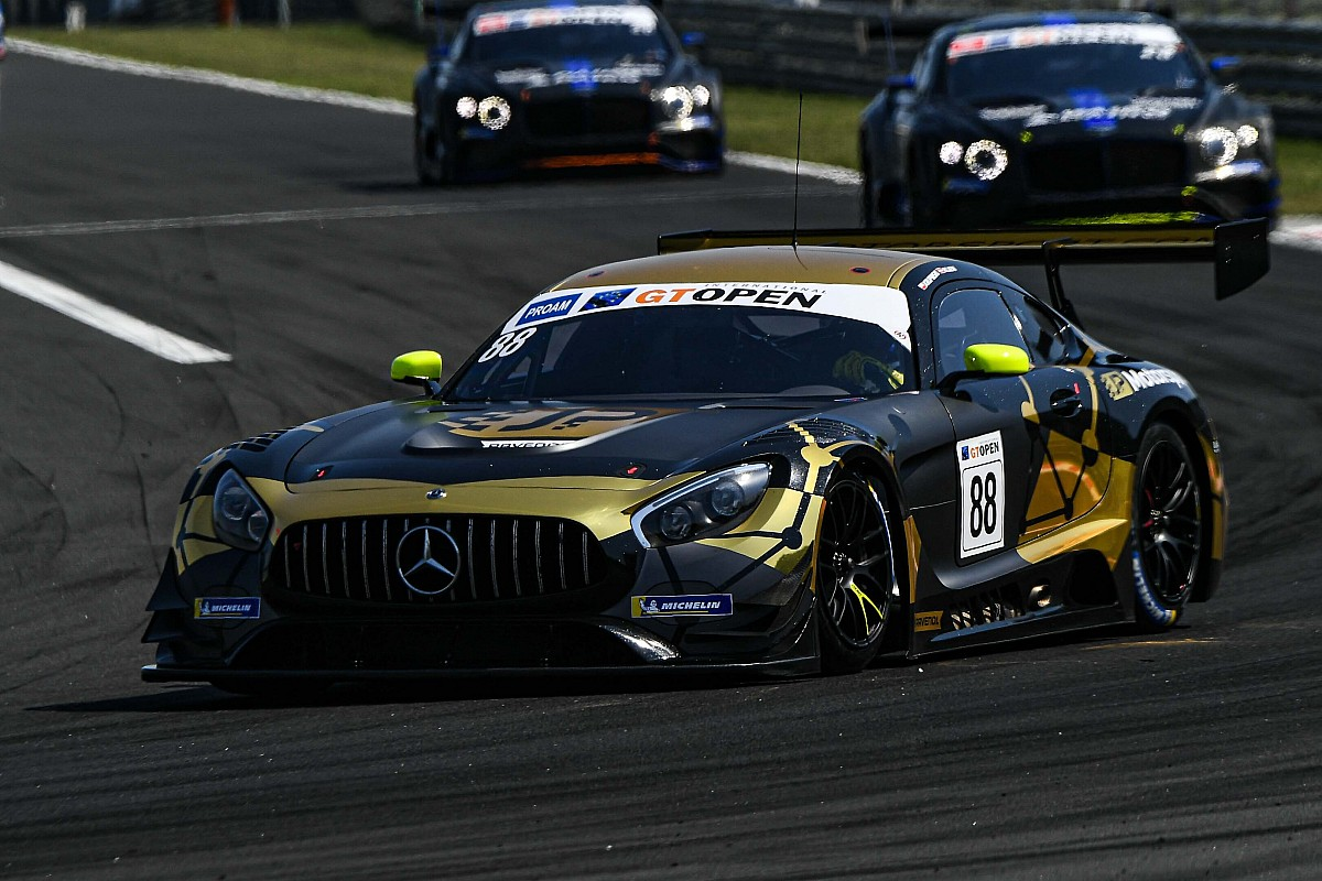JP Motorsport rządzi w Le Castellet