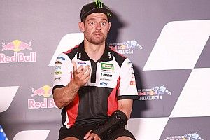 "Crutchlow says right arm is a ""disaster"" after surgery"