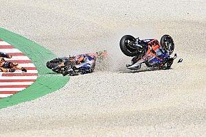 Pol Espargaró explica el choque con Oliveira (secuencia en fotos)