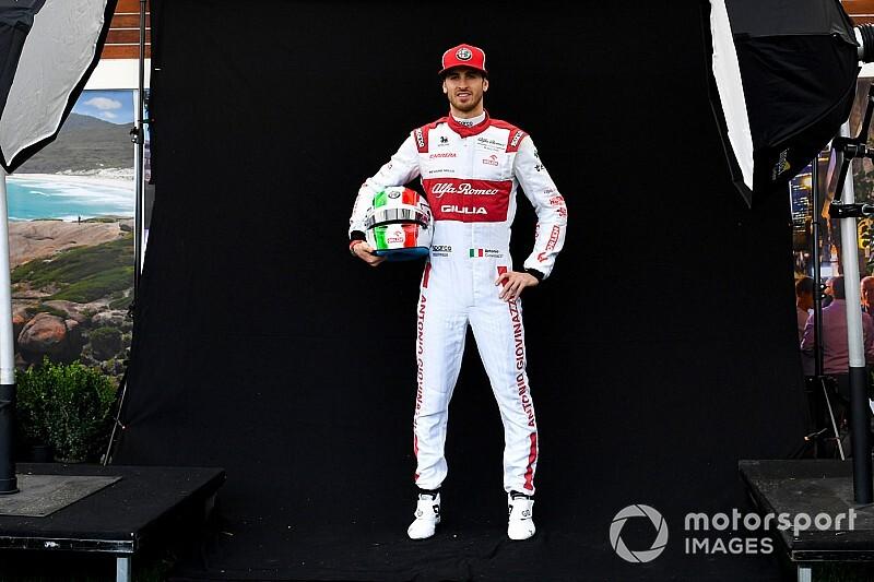Giovinazzi gözünü Vettel'in koltuğuna dikti