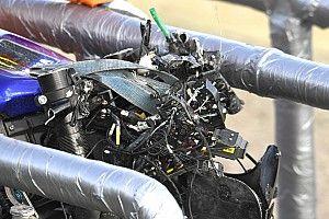 Fotos: así de destrozada quedó la moto de Rossi tras su segunda caída