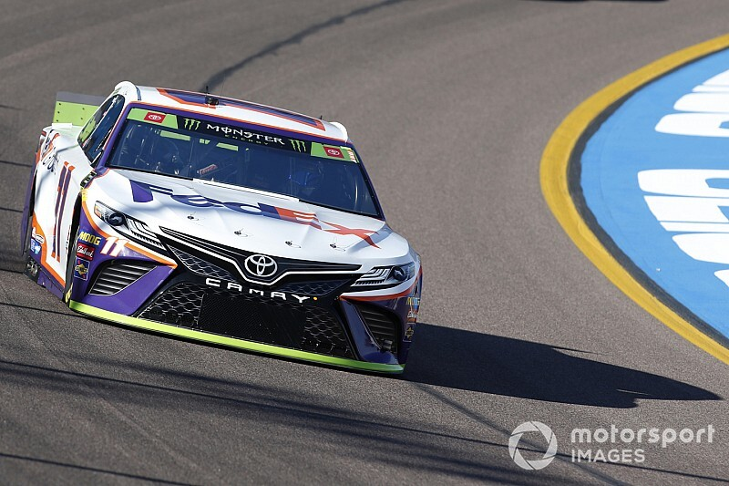 Denny Hamlin holds off Elliott for Stage 1 win at Phoenix