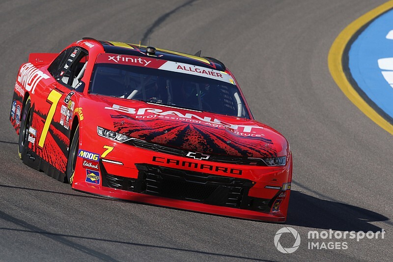 Justin Allgaier joins Xfinity title fight with Phoenix win