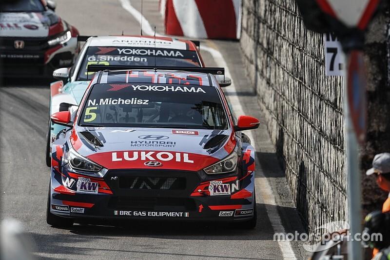 Michelisz vezeti a bajnokságot az utolsó versenyhétvége előtt, Muller megérkezett