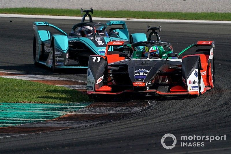 Com montadoras e estrelas, Fórmula E ganha protagonismo no mundo da velocidade