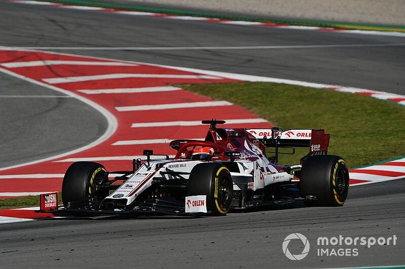 Kubica ends first day of second F1 test on top