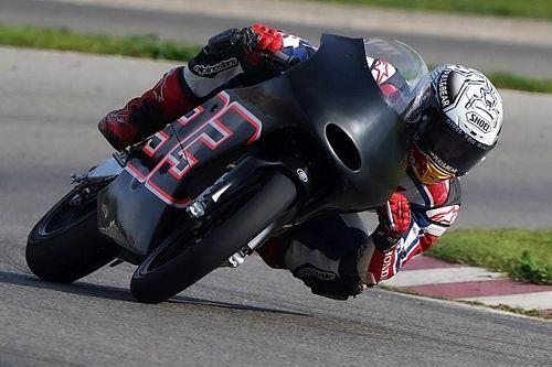 Márquez volta a pilotar moto depois de cirurgia no ombro