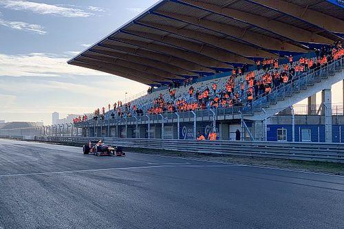 Verstappen opent vernieuwd Circuit Zandvoort in Red Bull-bolide