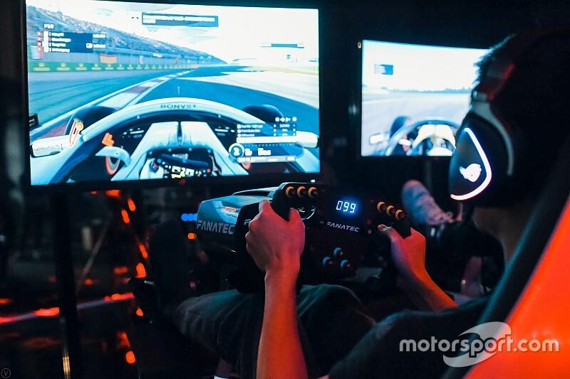 Формула 1 проведет виртуальные Гран При вместо отмененных