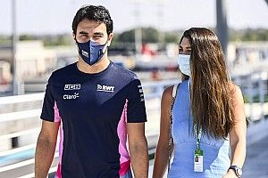 Új csapattag a Red Bullnál: Perez megérkezett a gyárba (videók)