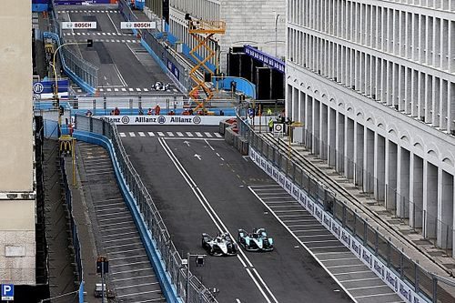 De Vries given grid penalty for Rome Formula E crash with Bird