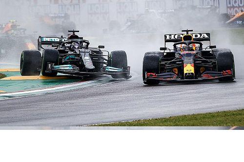 Mercedes: ennyit bukott Hamilton körönként autójának sérülése miatt