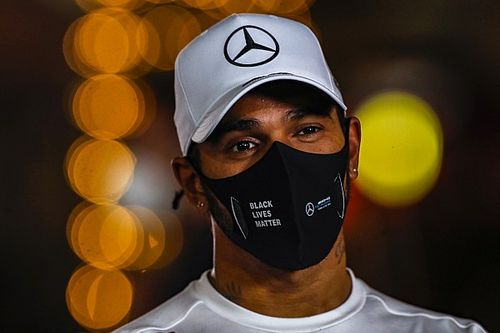 Hamilton finally extends Mercedes F1 contract