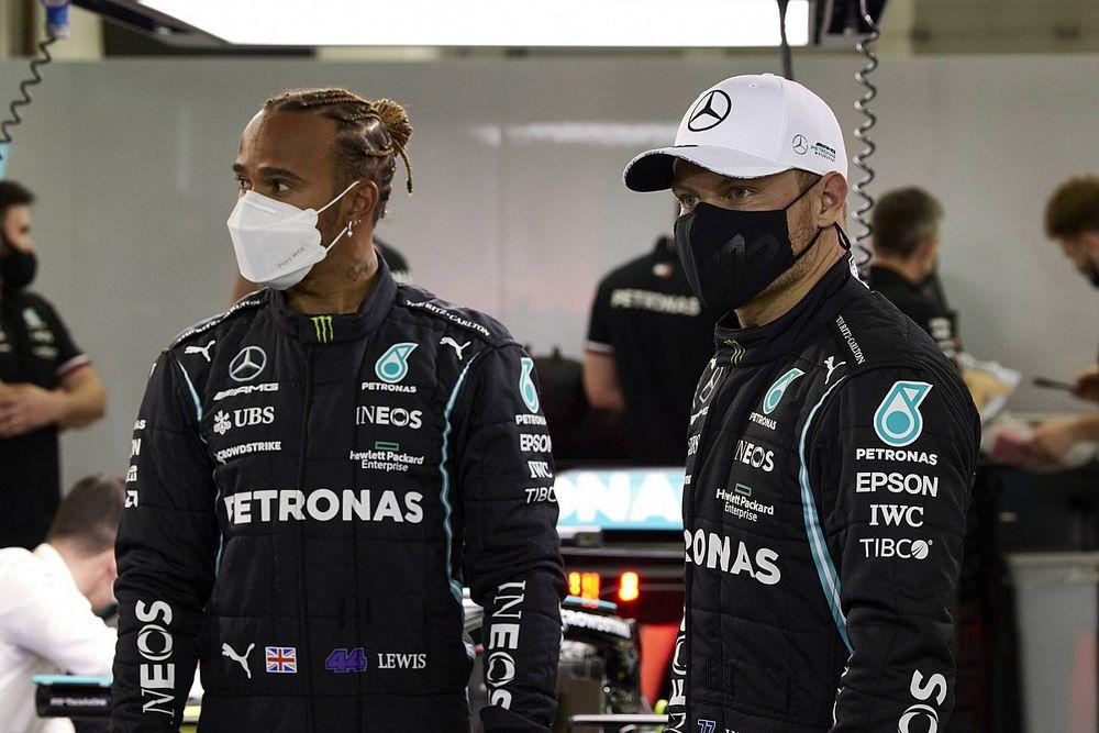 """F1 - Hamilton diz que negociação com Mercedes é """"positiva"""" e defende Bottas: """"Não vejo porque mudar"""""""