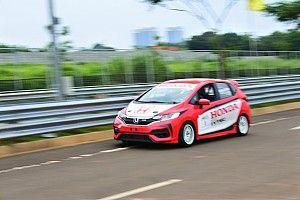 BSD City Grand Prix: Alvin Bahar rengkuh pole 1600 Max
