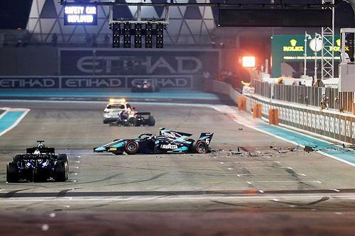 Уайтинг уворачивается от аварии на старте гонки Формулы 2: видео