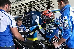 Tito Rabat eroico: cammina ancora con le stampelle, ma è tornato sulla sua Ducati a Valencia