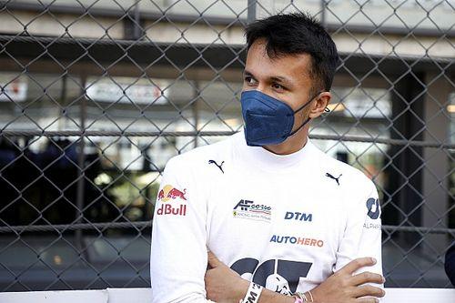"""Albon: """"Geen idee"""" wat Mercedes-clausules in Williams-contract inhouden"""