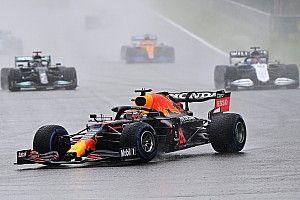 Course - Verstappen-Russell-Hamilton, le podium d'une parodie