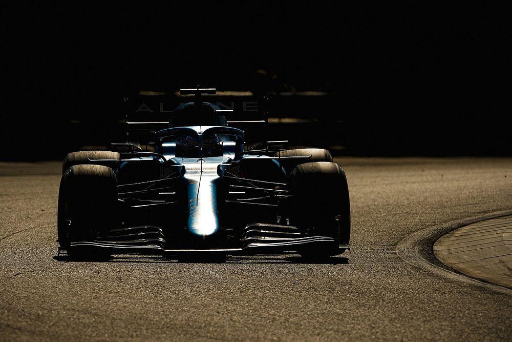 """Alonso: """"A ver si podemos luchar por podios por méritos propios"""""""