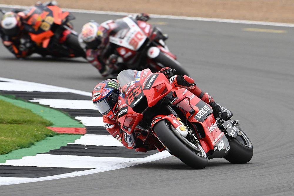 """Bagnaia : Un rythme """"de Moto2"""" à cause d'un nouveau souci de pneu"""
